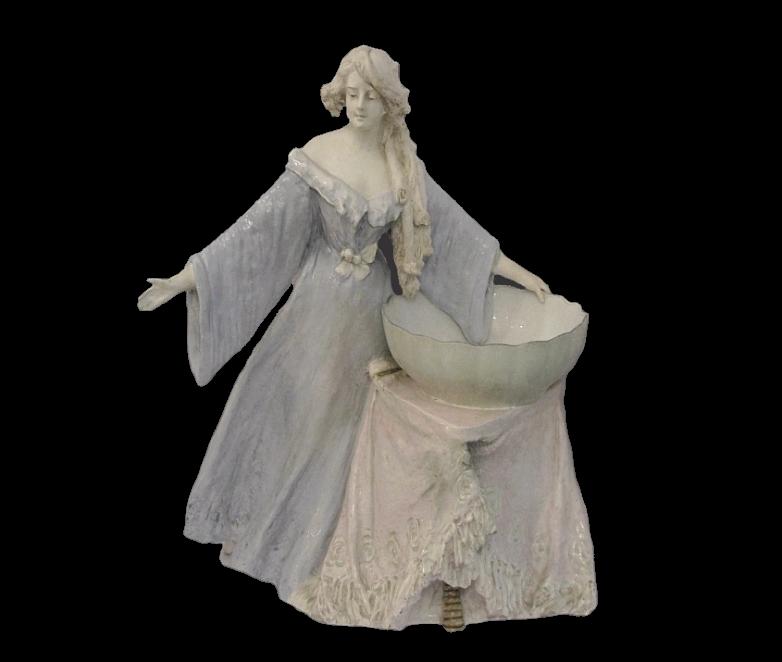 Figura dekoracyjna wg projektu W.Lachnera, Amphora Turn Faiance, 1908.