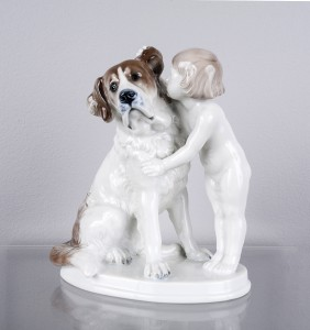 Figurka porcelanowa - chłopiec z Bernardynem, Rosenthal, 1941